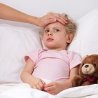 Cuidar a niño enfermo