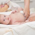 Bebé sobre un cambiador