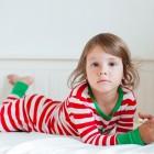 Niña con pijama