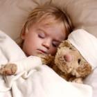 Vigilando al niño mientras duerme