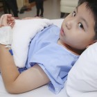 Niño ingresado en un hospital
