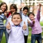 Niños con actitud positiva