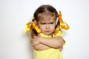 niña enfadada