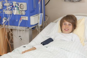 Niño sometido a diálisis