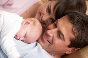 Padre, madre y bebé