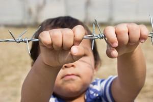 Niño en un campamento de refugiados