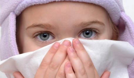 niño con gripe